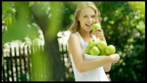 141186_green-women-depth-of-field-apples-1920x1080-wallpaper_www-wall321-com_2