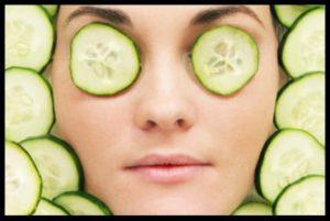 goz-alti-morluklarina-salatalik-maskesi-tedavis