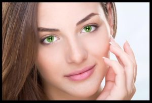 woman-various-color-eyes-green-330x2202x